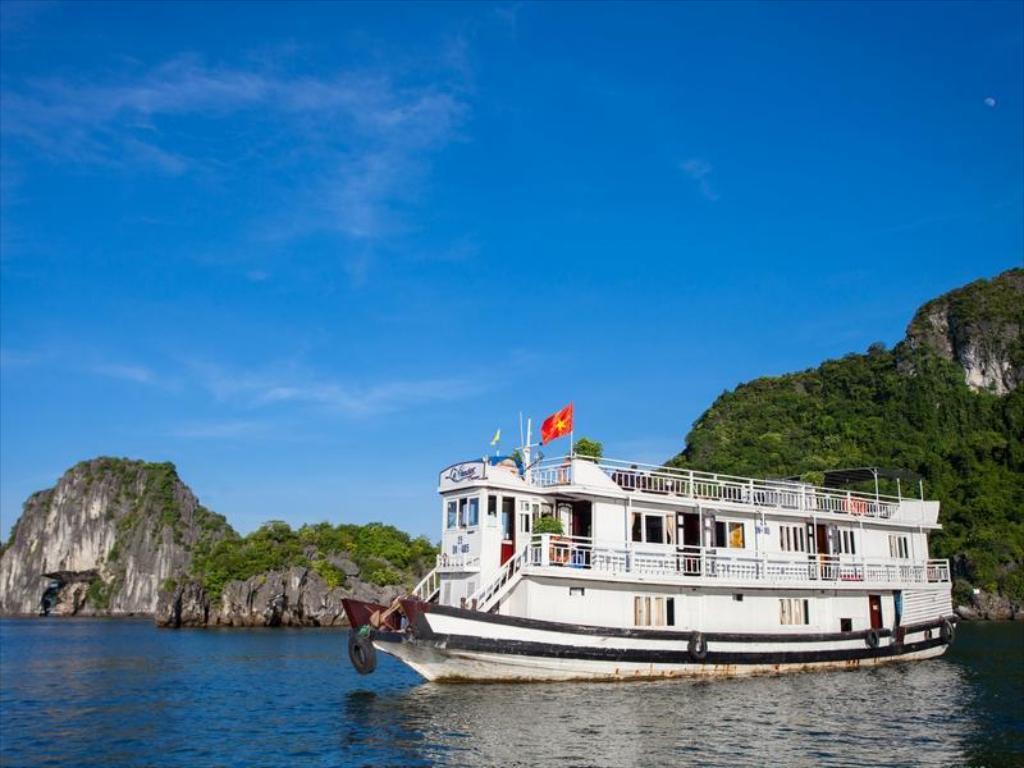Du thuyền Hạ Long 3 sao Lavender Cruise 2 ngày 1 đêm