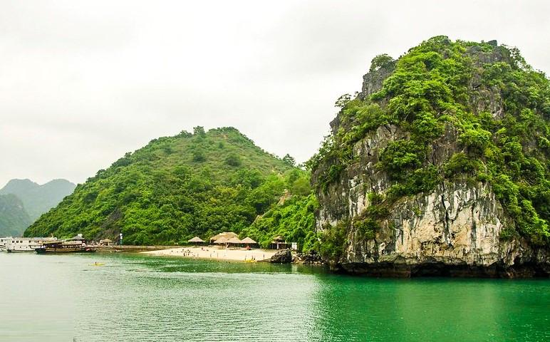 Khung cảnh yên bình của đảo Soi Sim